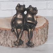 Frog Couple Sitting